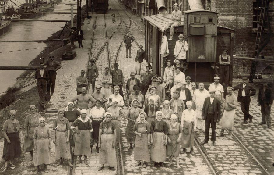 Donauverladestelle Arbeitergruppe